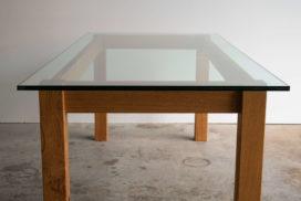 Design Tisch aus Glas und Holz (6)