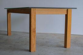 Design Tisch aus Glas und Holz (8)